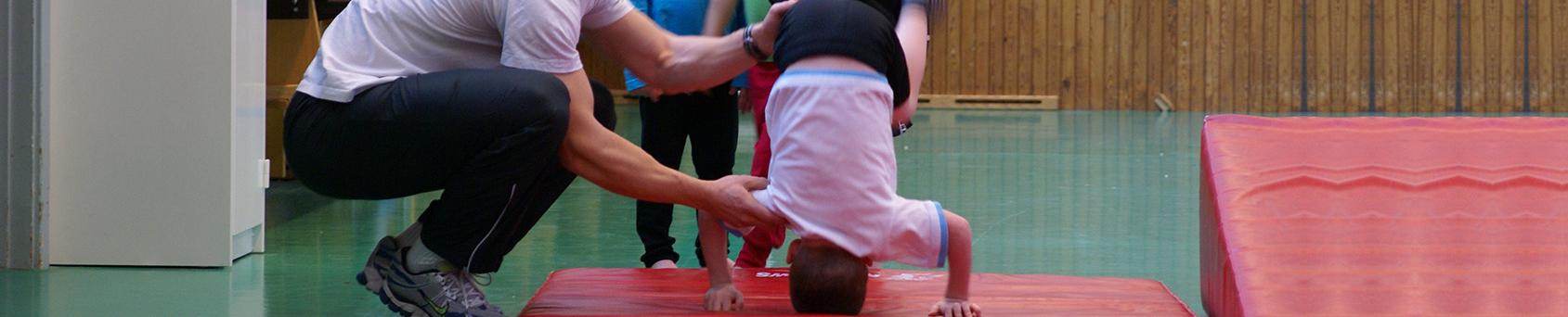 Akrobatiklekis barn gymnastik Stockholm