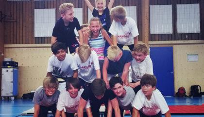 Akrobatik- & Gymnastikläger – Sommar – Täby!